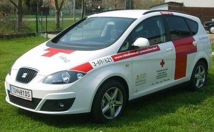 Fahrzeug vom Österreichischen Roten Kreuz © Just Objektbeschriftungen